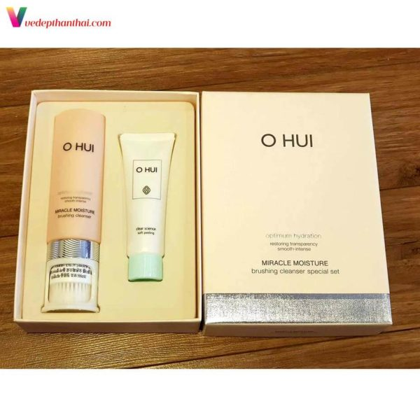 Ohui Miracle Moisture Brushing Cleanser